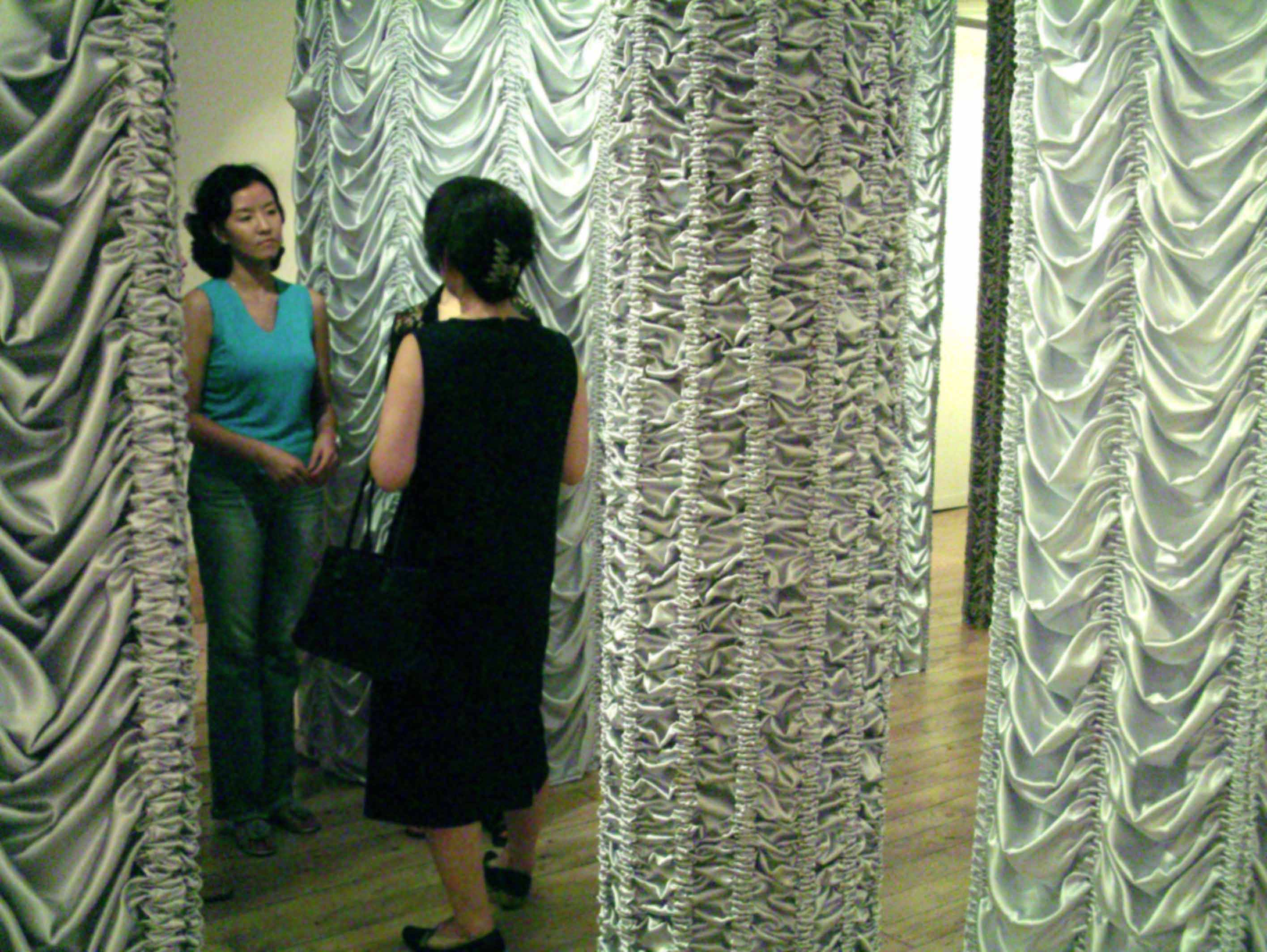 Young In Hong Solo Exhibition: The Pillars